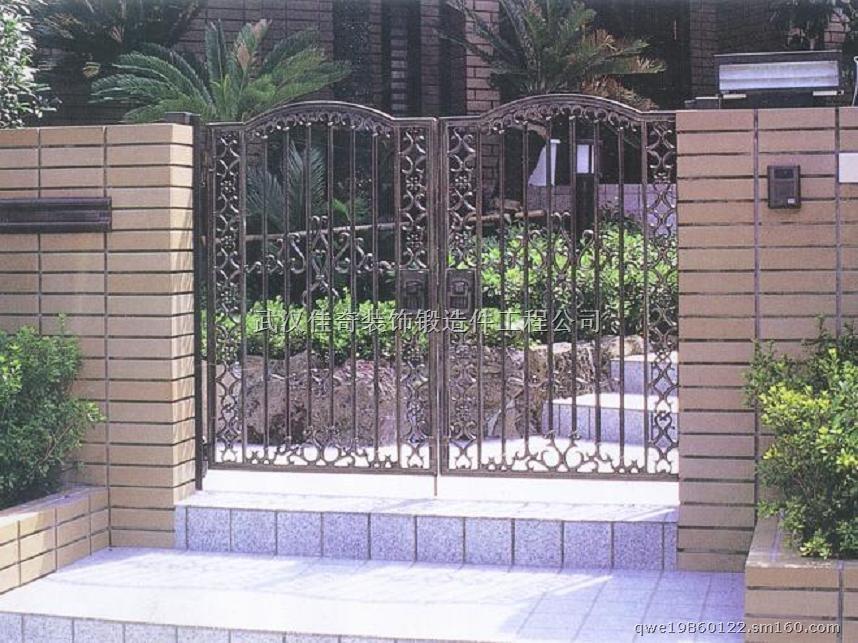 产品包括铁艺别墅大门,铁艺庄园大门等产品,做工精细,可按照客户需求