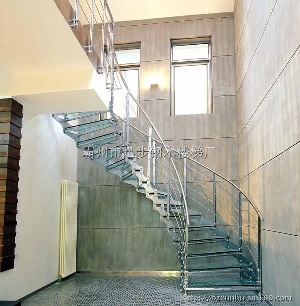 钢木结构的楼梯,有u字转角