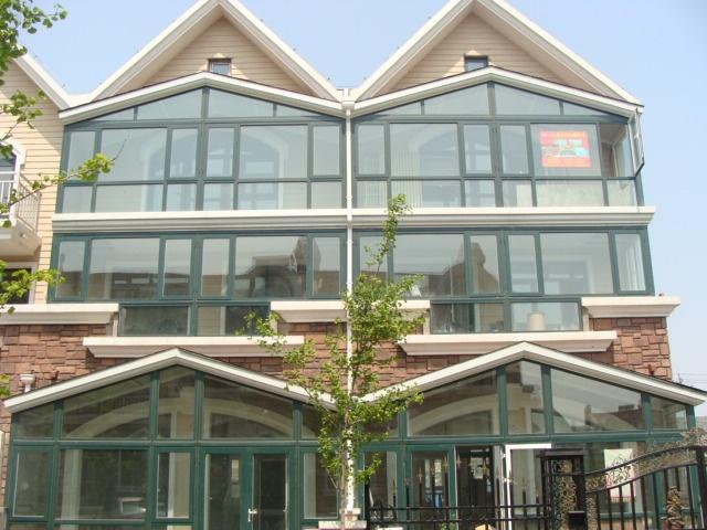德高瓦阳光房顶系统有五层组成:第一层是德高瓦