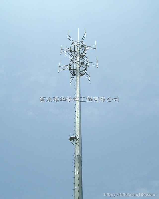 三管塔   新型三管通信塔的组成:包括塔底座(1)、塔柱(2)、横杆、斜杆(3)、天线支架(4)、避雷针(5)、塔柱套接装置(6),其特征在于:塔柱(2)钢管采用塔柱套接装置(6)连接,再与斜杆(3)用螺栓连接,塔柱套接装置(6)采用等径管。   新型三管通信塔的特点   采用无缝钢管作为塔柱材料,风荷载系数小,抗风能力强。 塔柱采用外法兰盘连接,螺栓受拉,不易破坏,降低维护成本。 塔柱正三角型布置,节约钢材 。 根开小,占地面积小,节约土地资源,选址便利。 塔身自重轻,新型三叶式伐板基础,降低基础造价。