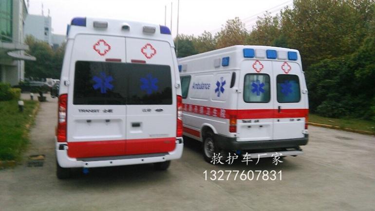 每班检查,严格交接,责任到人。值24h班次护士负责检查车,8:00~18:00班次护士负责检查全顺救护车,在点物本及仪器检查登记本上逐项认真清点落实,对缺项的物品及时追查,补充完整,严格执行交接班制度。发现急救设备故障,及时上报维修。 福特全顺长轴救护车参数图片 总质量(kg): 3700 轴距(mm): 3750 前轮轮距(mm) : 1740 后轮轮距(mm) : 1704 变速器: 手动式六前进档 外形尺寸(mm L*W*H): 5780*2000*2690 转向: 液压泵助力转向 前悬: 独立悬挂