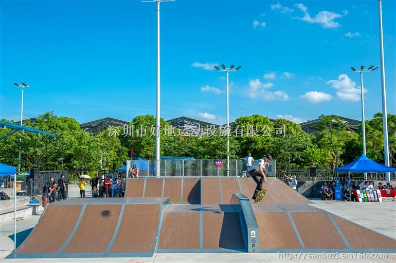 深圳市好地运动设施有限公司 专业建造于设计滑板场、滑板道具、滑板场地、滑板设施、滑板公园、极限运动场、极限运动道具、极限运动设施、极限运动公园、轮滑道具、轮滑设施、轮滑公园、速度轮滑场、跑酷、山地自行车赛道、BMX赛道、小轮车赛道、泥地赛道、攀岩等 欢迎致电:13823158512 或18902484066 详情请登入:www.