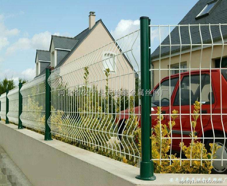 银行;生活小区围墙,私人住宅,别墅的围墙,门窗,高速公路,铁路护栏以及