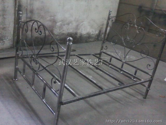 武漢鐵藝床圖片,武漢鐵藝床尺寸