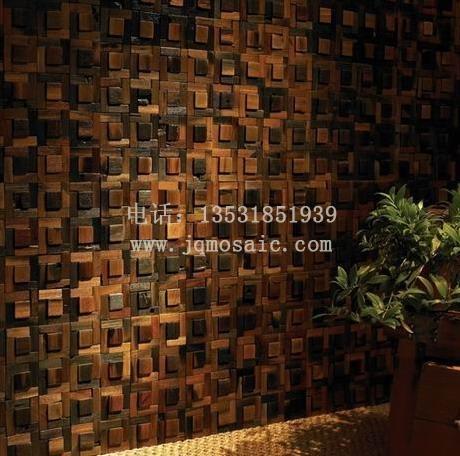 船木马赛克由小木块贴在马赛克网上做成,目的是为了方便装饰施工人员.