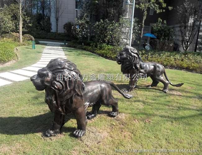 不锈钢动物雕塑是造型艺术的一种。又称动物雕刻,是雕、刻、塑三种创制方法的总称。 动物的形象大为丰富,数量繁多,狮子、麒麟、龙龟、牛、马等各种不同动物的形象。雕塑手法形象写实、生动。 曲阳万鑫雕塑有限公司是一家专业的的不锈钢雕塑制作厂家,常年从事不锈钢动物雕塑制作,其产品种类齐全、多种多样有:不锈钢动物雕塑、不锈钢彩色雕塑、不锈钢人物雕刻、标志性雕塑等产品。我厂生产的雕塑栩栩如生、雕工精致,如果您想选择铜雕,不妨来万鑫雕塑厂看看,一定让您满意而归。 曲阳万鑫雕塑有限公司 网址: