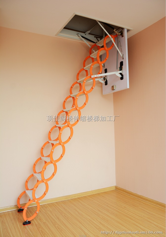 商业空间楼梯承重柱子设计