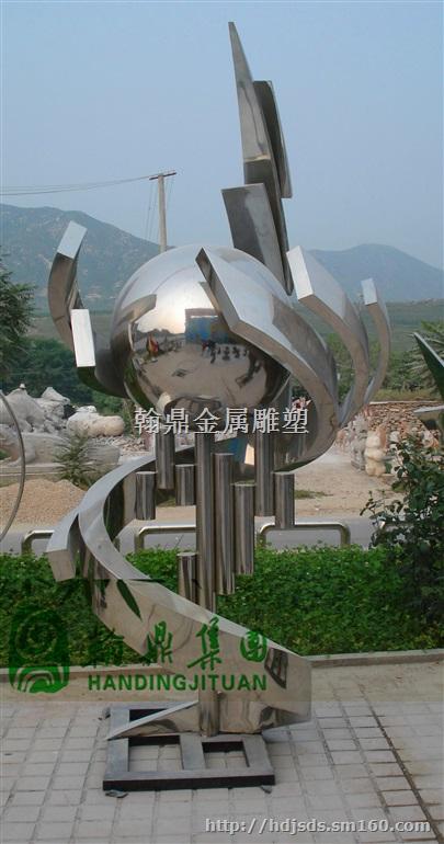 后现代主义的不锈钢雕塑更是很难分辨各种艺术风格之