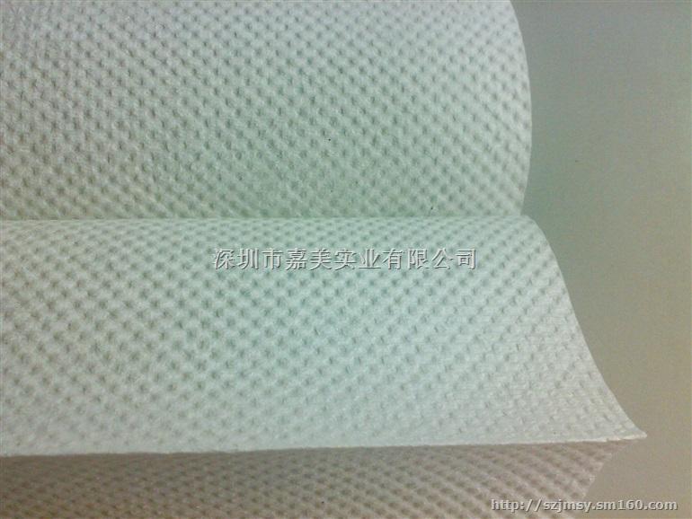 (2)产品纸质柔韧舒适、安全卫生、吸水速度快、总吸水量大。 (3)原生木浆采用大量长纤维配合湿强配方,不易拉断,使用后不留纸屑。 (4) 可上锁的封闭式纸架,彻底防盗,且令纸张始终保持清洁,提高整体形象。 N折擦手纸的用途: 1.洗完手后,满手是水,感觉不舒服,随意把水甩在地上,造成地滑,积水多;随处找地方擦干手(如衣服等),影响卫生、个人形象。 2.