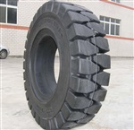 700-12实心轮胎叉车轮胎实物拍摄