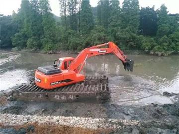 水上挖掘机租赁 两栖挖掘机清淤