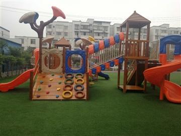 木制幼儿园户外玩具厂家,幼儿园木质荡桥,实木攀爬架