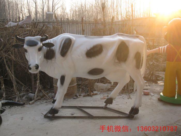 甘肃动物玻璃钢雕塑,园林动物雕塑,玻璃钢雕塑厂家