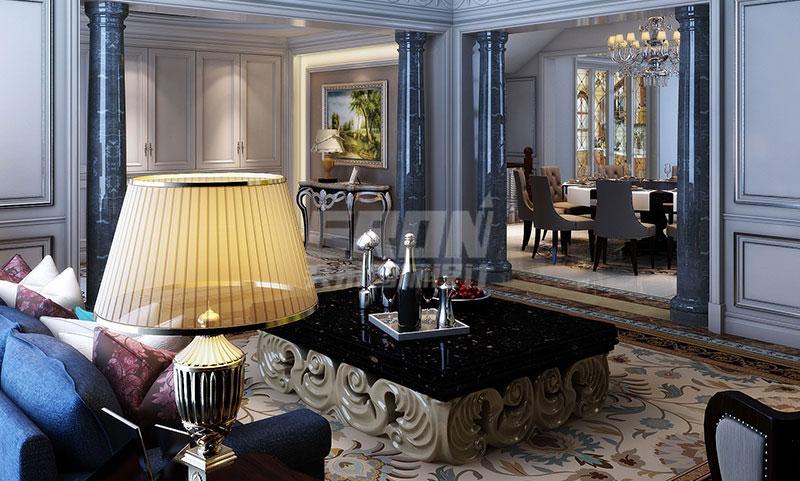与繁花地毯形成了呼应 餐厅里,惯用的欧式九宫格吊顶下,大气的水晶