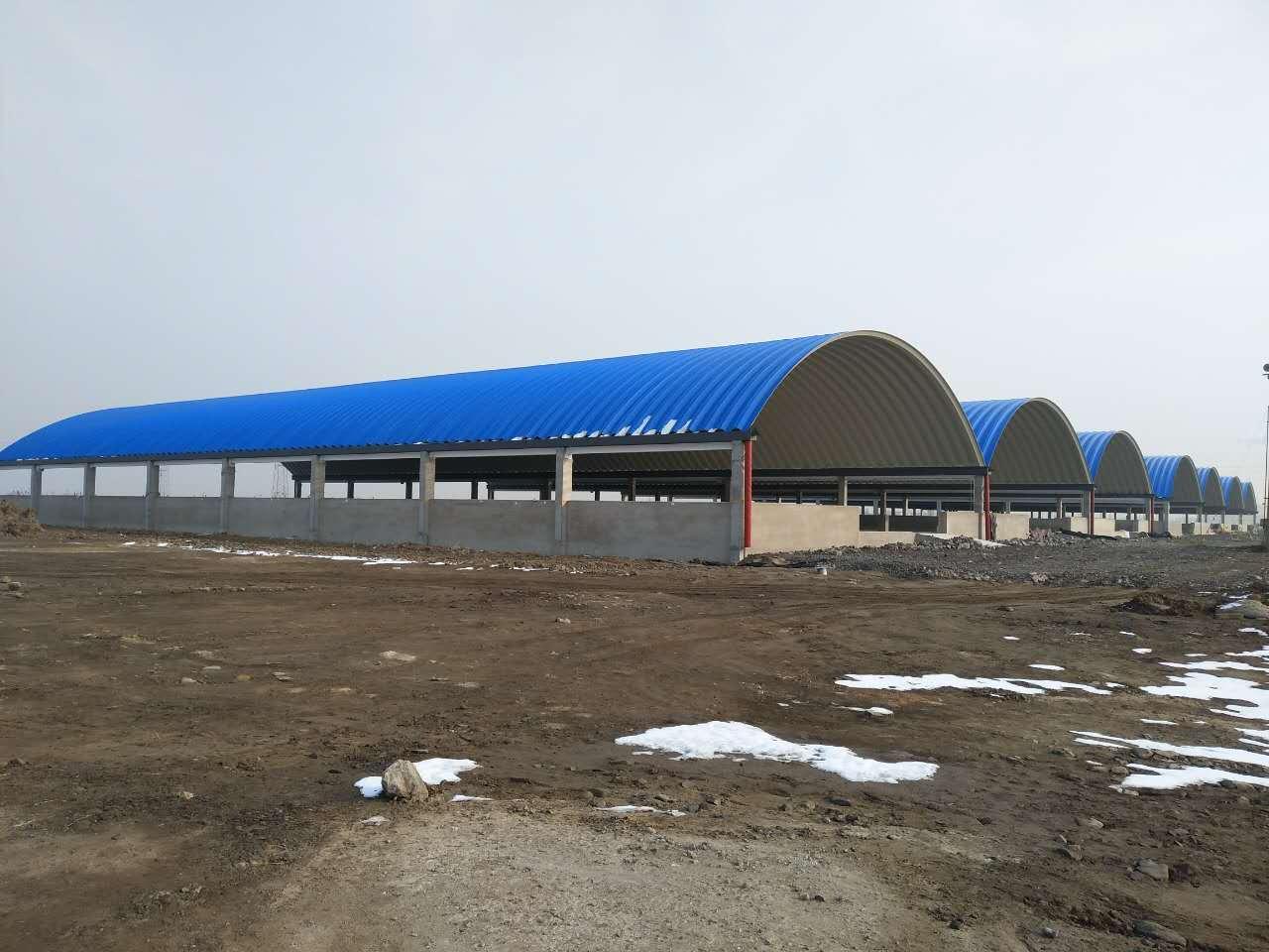 各种大跨度金属波纹拱形屋顶,彩钢复合板屋顶,广泛用于大型厂房